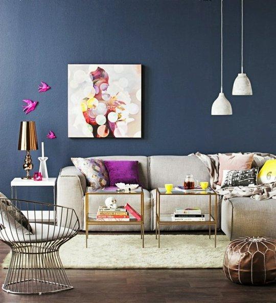 salotto decorato con complementi e colori di moda 2014