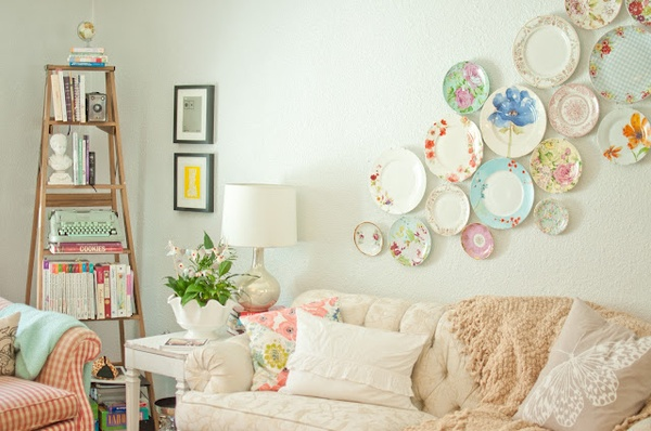 decorazione d'interni con piatti da collezione