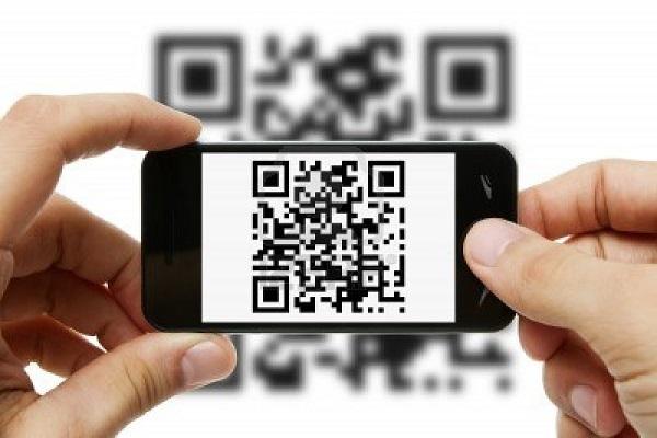 QR code con telefono che rileva il codice