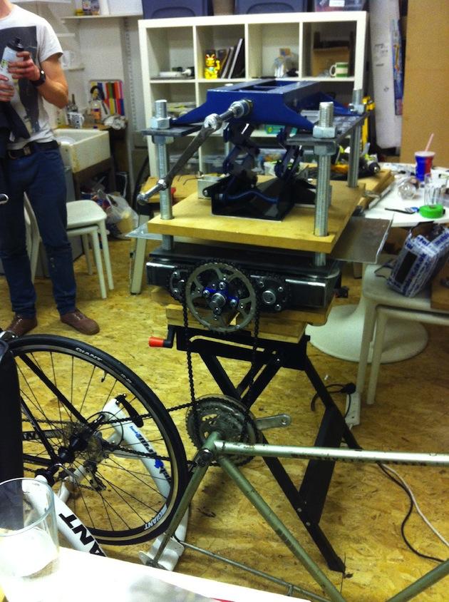 un dettaglio della stampante a pedali