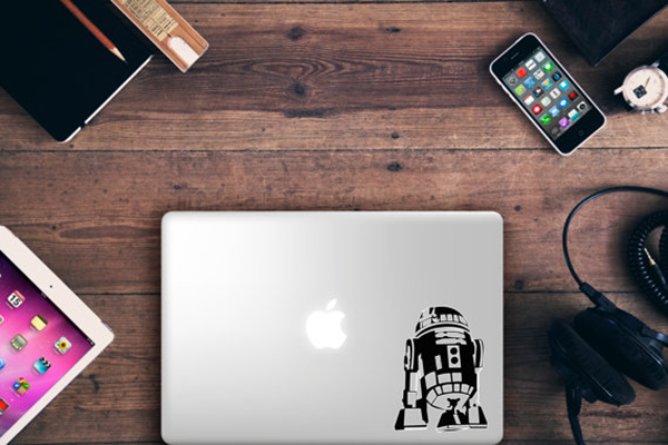 MAC personalizzato con adesivo STAR WARS