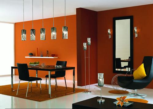 sala da pranzo arancione