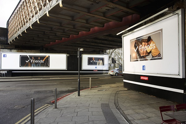 facebook-friends cartelloni pubblicitari