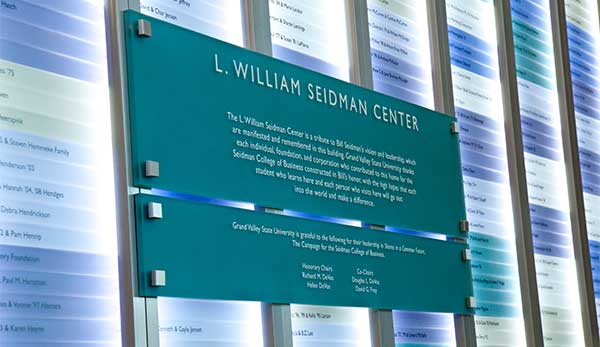 ideas-for-museums-donor-recognition-signage-02